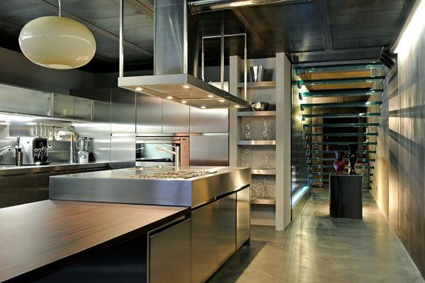由于酒店的特殊性,酒店厨房设计与家庭厨房设计有很大区别.