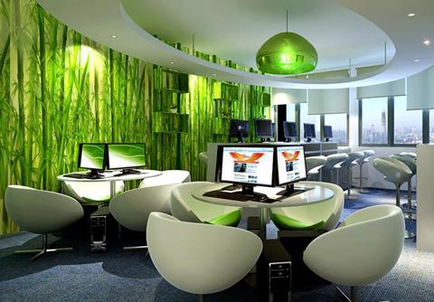 建设的办公室装修案例中,设计师经常运用光的明暗,强弱,虚实,色彩和