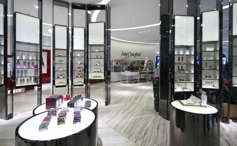 小化妆品店如何装修更吸引顾客