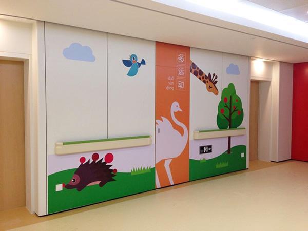 如游乐园般的漂亮儿童医院装修布置设计