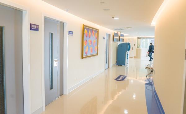 医院过道装修设计的那些门道,一分钟就看懂!
